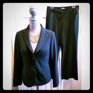 NY&C Dark Green Pant Suit